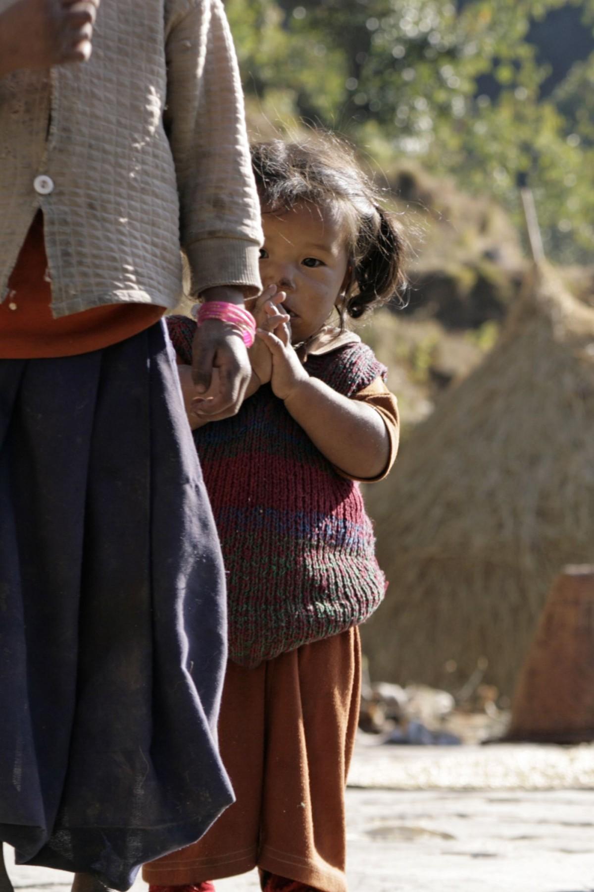 bambina nepal